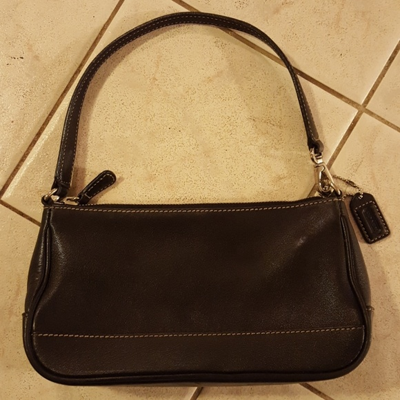 ffde99c373f Coach Handbags - Coach Small Black Leather Handbag Purse No. 7785